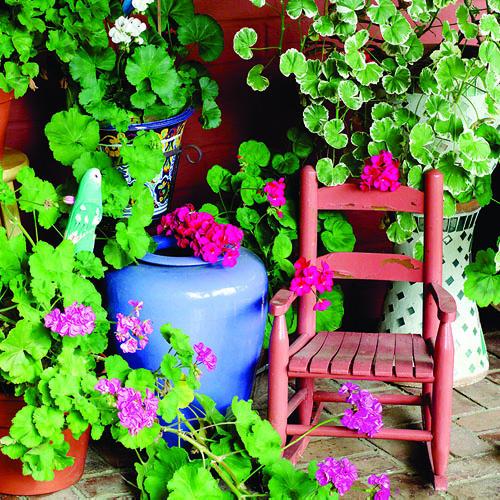 Trang trí góc nhỏ nghỉ trưa trong vườn nhà