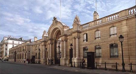 Những bí ẩn về 'cung điện hoan lạc' của Pháp