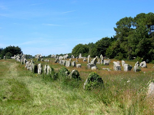 Chiêm ngưỡng đội quân đá bí ẩn ở miền Tây nước Pháp