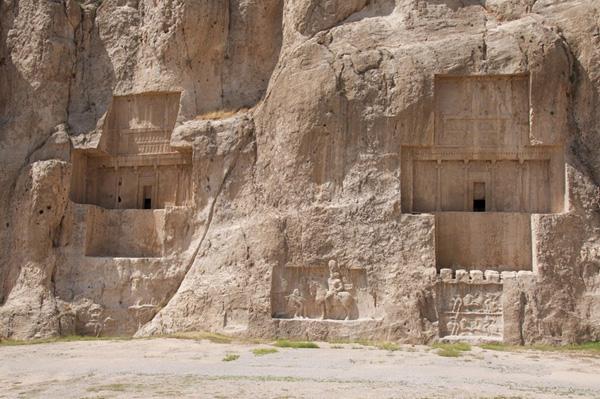 Lăng mộ cổ hoành tráng của vua Ba Tư
