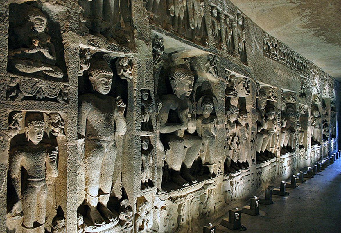 Chùa hang Ajanta - Di sản độc đáo trong lòng núi đá