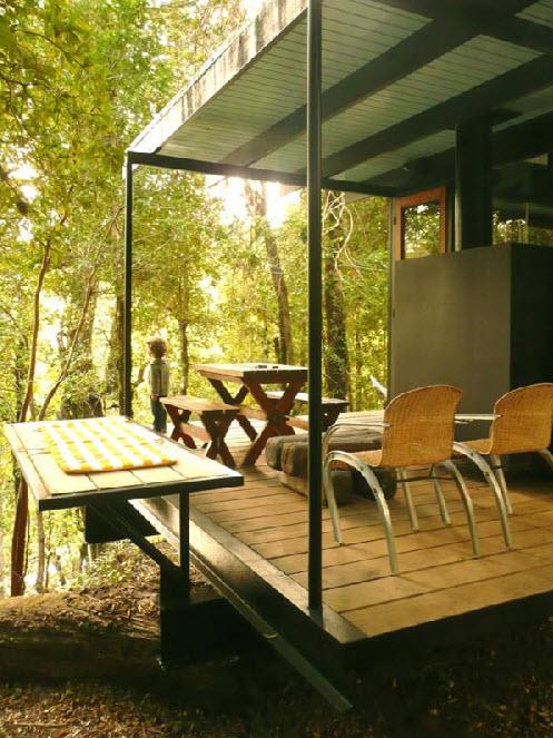 Ngôi nhà nhỏ bằng vật liệu tái chế
