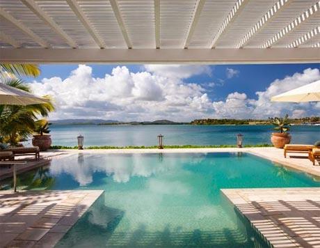 Những bể bơi khách sạn ấn tượng nhất thế giới