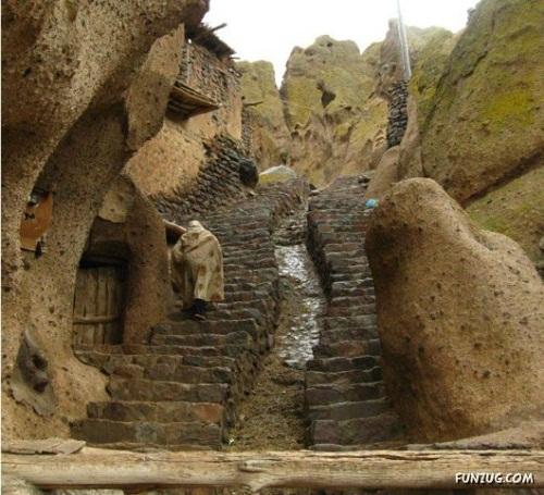 Ngôi làng kì quái ở Iran