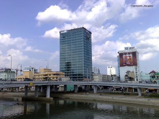 Tổng quan và quy mô khu REE Tower: Cao ốc văn phòng giữa các quận trung tâm Thành phố