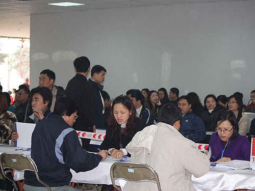 Hà Nội khởi động, TPHCM chờ