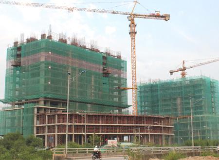 Nghịch lý giá bất động sản và vật liệu xây dựng