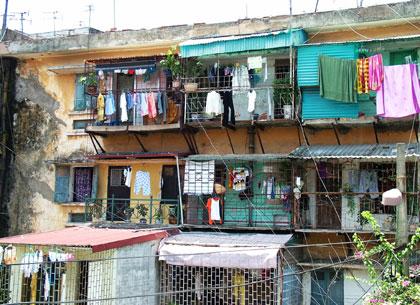 """Nỗi khổ mang tên """"Chung cư"""" Bài 3: Loay hoay số phận chung cư cũ"""