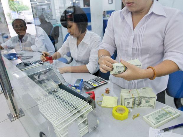 Thanh khoản, lãi suất và tái cấu trúc ngân hàng