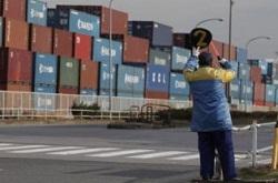 Nhật: Xuất khẩu giúp thặng dư trở lại