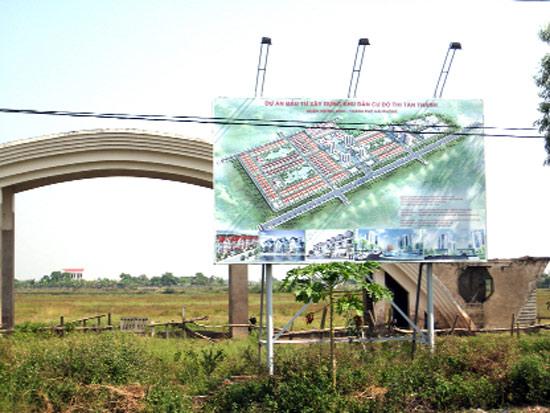 Đất Cảng ngổn ngang dự án
