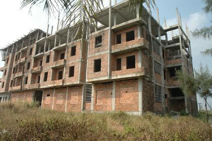Công nhân thiếu nhà ở, chung cư xây dang dở, bỏ hoang