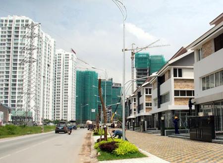2012: Tiền chưa thể vào BĐS, đừng vội mua bán