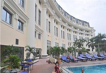 DN Việt mua lại khách sạn ngoại sẽ gặp rủi ro gì?