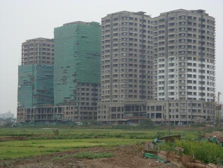 Nhà nước mua lại dự án nhà ở giá trung bình: Chỉ là giải pháp tạm thời