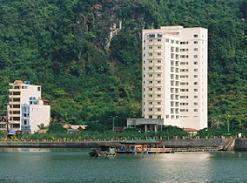 Vinaconex – ITC chuyển nhượng khách sạn Holiday View
