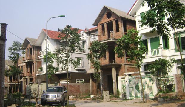 DN ngoài ngành tính kế bám trụ với bất động sản
