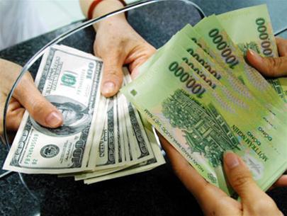 Giá USD tự do xuống dưới 21.400 VND