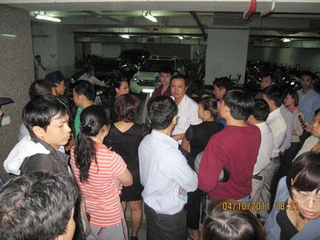Làm 'quấy', KS Kinh Đô bị hàng trăm người 'quây'