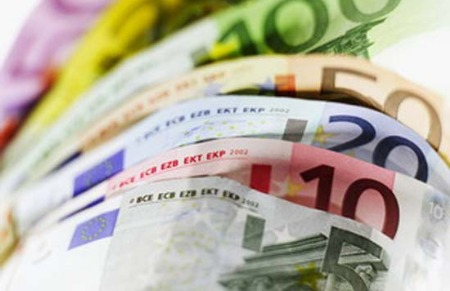"""Nợ công châu Âu vẫn chỉ được """"bát canh suông"""""""