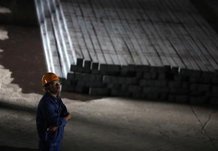 Tăng trưởng sản lượng thép của Trung Quốc: Giảm 50% vào năm 2012