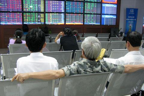 Xả hàng cổ phiếu địa ốc, Vn-Index xuống sát 377 điểm