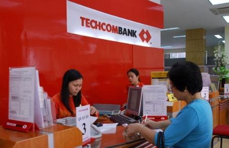 S&P hạ bậc tín nhiệm: Đến lượt Techcombank lên tiếng