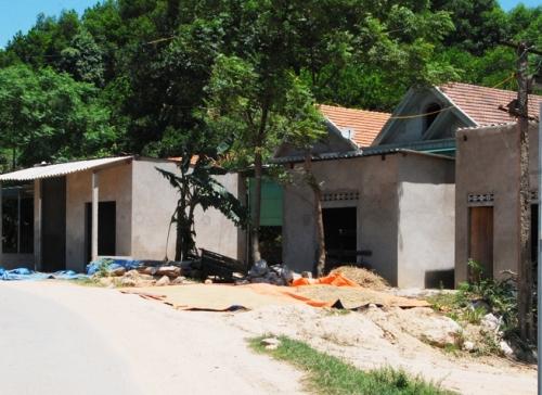 Hà Tĩnh: Dân ở KKT Cầu Treo ào ào xây ốt trái phép để chờ... đền bù