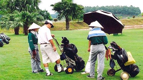 Lại chạy đua xin bổ sung sân golf