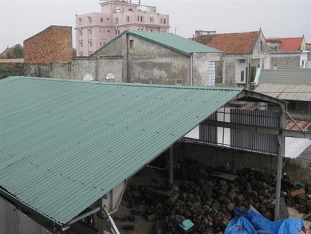 Xây nhà xưởng trái phép trong khu dân cư
