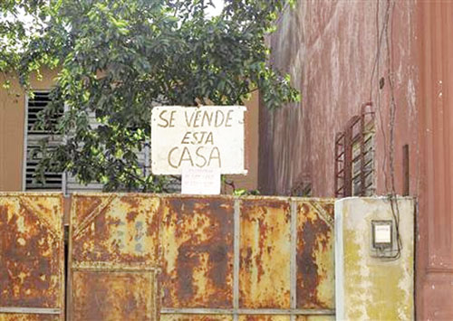 Cuba sốt nhà đất