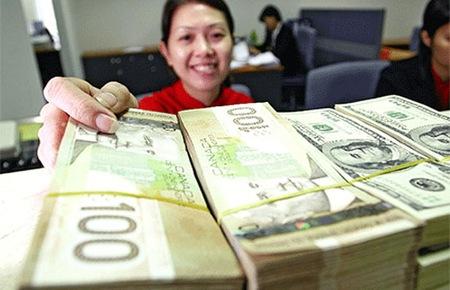 Số dư tiền gửi tại ngân hàng giảm mạnh tháng đầu năm