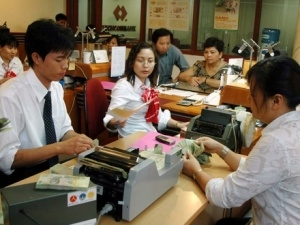 Ngân hàng đánh vật với giới hạn tín dụng cuối năm