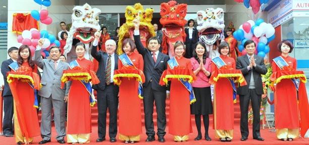 CafeLand - , Ngân hàng Thương mại Cổ phần Công thương Việt Nam (VietinBank) vừa tổ chức khai trương tòa nhà cao 14 tầng, tại số 126 Đội Cấn, Hà Nội.