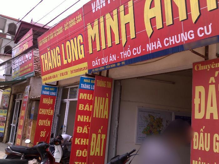 """Ế ẩm, """"chợ"""" đất Hà Nội biến thành """"chợ"""" cho vay nặng lãi"""
