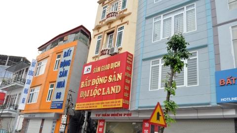 Người mua bất động sản chấp nhận bị 'cắt cổ'