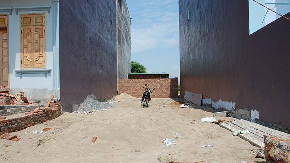 Tại Xã Liêm Hà, huyện Đông Anh: Thôn bán đất, xã mù mờ