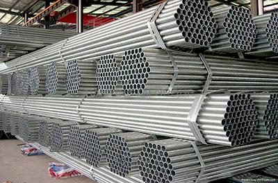 Giá thép Trung Quốc giảm hơn 4% do làn sóng bán tháo