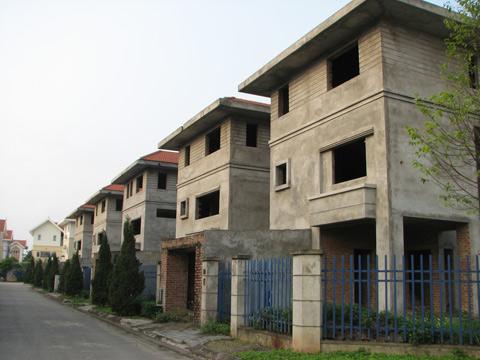 Người nghèo ngậm ngùi ôm giấc mộng có nhà