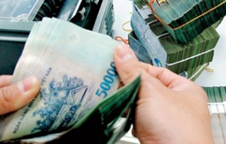 Xoay xở với dư nợ tín dụng phi sản xuất