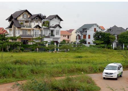 Diện tích đất vượt hạn mức - Nộp tiền sử dụng đất theo giá thị trường