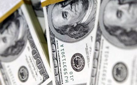 Nhà đầu tư bỏ vàng theo USD