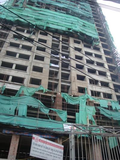 Công trình xây dựng không phép ở Hà Nội: Chính quyền cố tình làm ngơ hay bất lực?