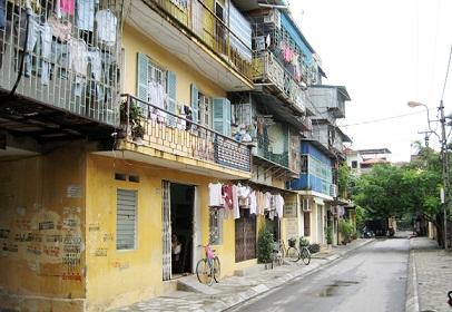 Hầu hết chung cư cũ đều xuống cấp và nguy hiểm