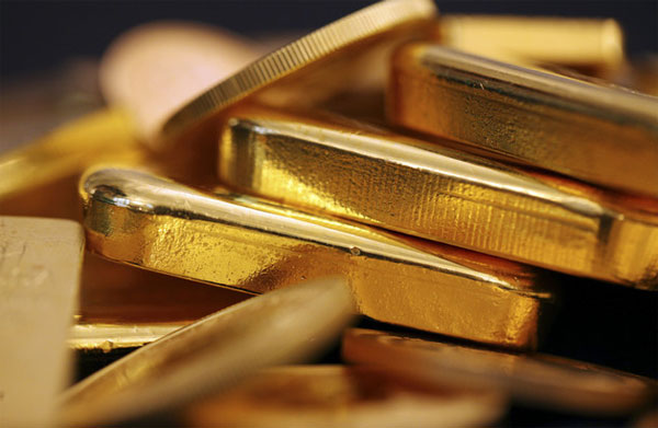 Giá vàng 'nội' giảm, vàng 'ngoại' tăng tốc