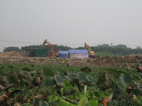 Những công trình chậm tiến độ ở HN: 'Cắn răng' thi công, nhà thầu chỉ nhận lỗ!