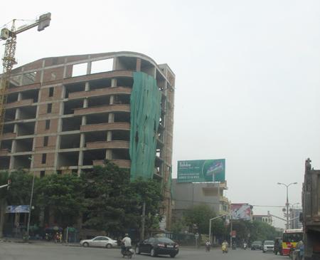 Nhiều công trình xây dựng trên địa bàn Hà Nội đắp chiếu: Ám ảnh nỗi lo lỗ nặng
