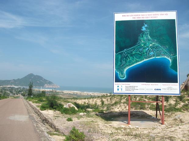 Các dự án du lịch ven biển ở Bình Định Chiếm đất khai thác titan rồi để đó!