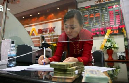 Doanh nghiệp gửi tiền tại ngân hàng phải chịu thuế