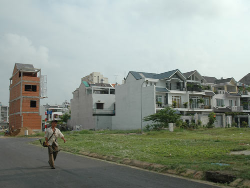 Nhìn lại thị trường bất động sản năm 2011